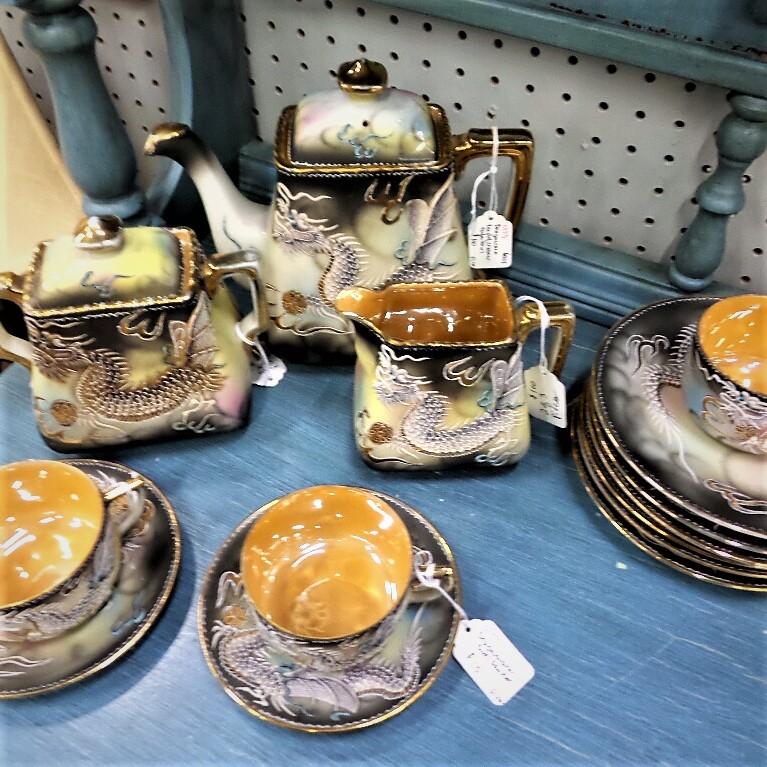 satsuma style tea set and plates