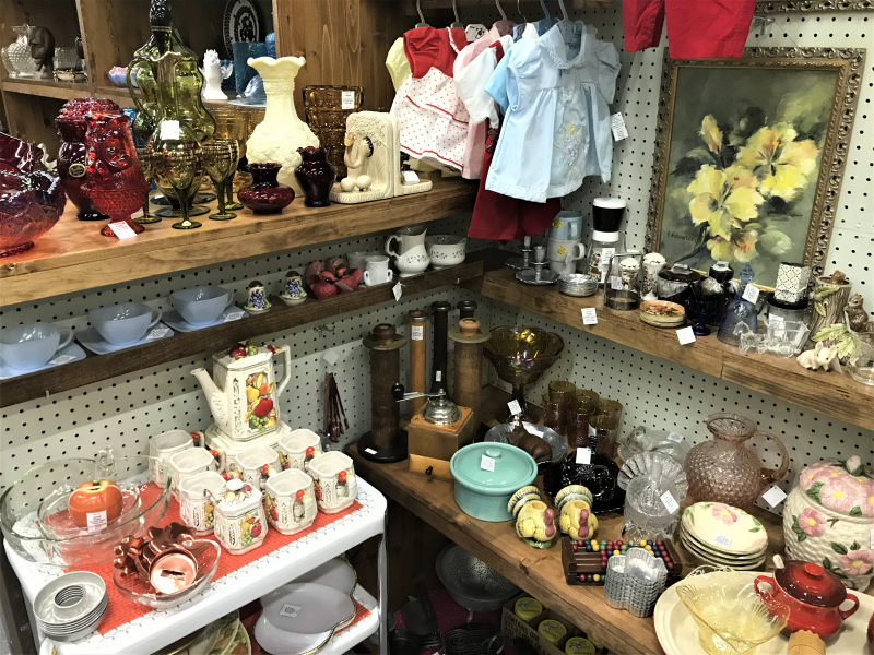 miscellaneous vintage decor items and baby/doll clothes